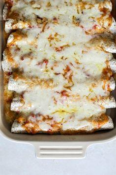 Lightened Up Chicken Enchiladas I howsweeteats.com