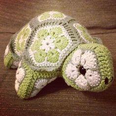 Darwin the African Flower Tortoise Crochet Pattern (PDF download)