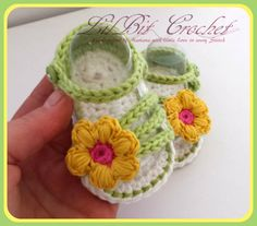 Handmade Crochet Simply Spring Baby Sandals, Baby Girl FlipFlops, white green and yellow booties, puff stitch flower  Available in 3 sizes: