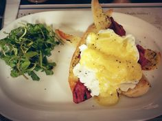 Egg benedict @ Opus Cafe