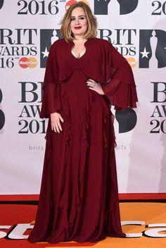 adele vestido vinho brit awards 2016 red carpet