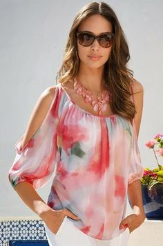 23 Colorful Blouses To Update You Wardrobe - Fashion New Trends Cool Outfits, Summer Outfits, Casual Outfits, Modest Fashion, Fashion Dresses, Sewing Blouses, Look Fashion, Womens Fashion, Shirt Bluse