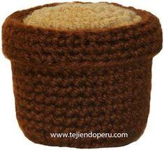 Cómo tejer un macetero con tierra que pueden utilizar para los cactus, flores, etc. en crochet (amigurumi). Crochet Cactus, Crochet Flowers, Half Double Crochet, Single Crochet, Crochet Blanket Patterns, Crochet Stitches, Amigurumi For Beginners, Amigurumi Tutorial, Amigurumi Doll