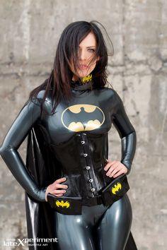Cosplay: Batgirl in latex, Alexandra Corneille