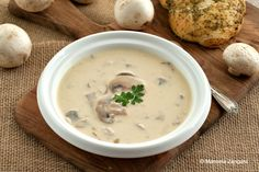 Cream of Mushroom Soup. Cream of Mushroom Soup with an Italian twist - so much better than the store bought one! Recipe With Cream Of Mushroom Soup, Mushroom Soup Recipes, Creamed Mushrooms, Stuffed Mushrooms, Stuffed Peppers, Family Meal Planning, Family Meals, Healthy Diners, Soup Appetizers
