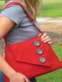 Laraine Shoulder Bag Pattern * use an old belt for the strap