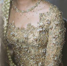 29 Ideas For Wedding Dresses Pakistani Hair Kebaya Lace, Kebaya Brokat, Batik Kebaya, Kebaya Dress, Pakistani Hair, Pakistani Outfits, Pakistani Clothing, Myanmar Traditional Dress, Traditional Dresses