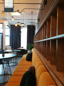 Caffe & Wine Slobozia - amenajare cafenea - Roomzia - Design Interior Online Interiors Online, Stairs, Tropical, Wine, Interior Design, Modern, Home Decor, Restaurant, Nest Design