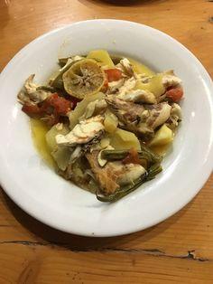 Balığın sebzelerler bütünleştiği harika bir yemek.Bu yemeği ister palamutla isterseniz çuprayla yapabilirsiniz. MALZEMELER: -3 tane palamut -3 tane patates -2 tane soğan -2 tane domates -3 tane bib…