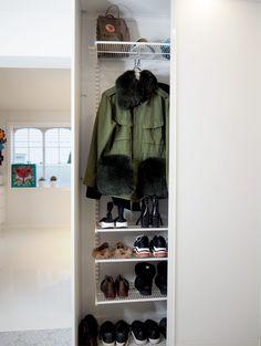 Orden i liten gang hos ByBenedicthe Shoe Rack, Closet, Home Decor, Armoire, Decoration Home, Room Decor, Shoe Racks, Closets, Cupboard