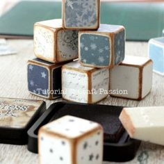 The letter cubes set is a combination of 24 blocks with letters up to 6 sides of the cube. Plan your own words or use the suggested holiday theme words. – Page 2 of 2 Wood Craft Patterns, Wood Block Crafts, Scrap Wood Projects, Wooden Crafts, Wooden Diy, Diy Crafts, Vinyl Projects, Craft Projects, Craft Ideas