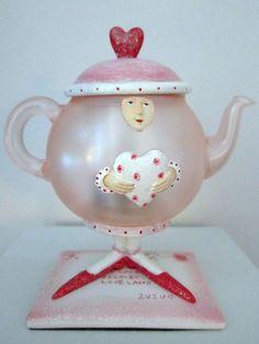 Valentine Pixie Teapot-Shaped Tealight