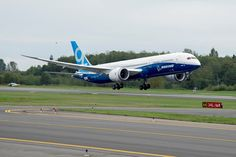 (25) June, 2014, the first flight of Boeing 787-9 is successfully done in the United States. Xiao thought they will use it well after they get the planes in the near future.