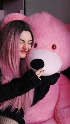 March 28 2019 at Giant Teddy Bear, Big Teddy, Teddy Girl, Teddy Bears, Stylish Photo Pose, Stylish Girls Photos, Girl Photos, Teddy Bear Images, Teddy Bear Pictures
