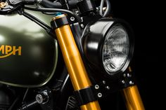 This heavily upgraded 2014 Triumph Scrambler prowls the streets of Zürich and puts out 95hp.