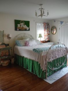 Dashing Bohemian Shabby Chic Bedroom => https://smsmls.com/15512/bohemian-shabby-chic-bedroom