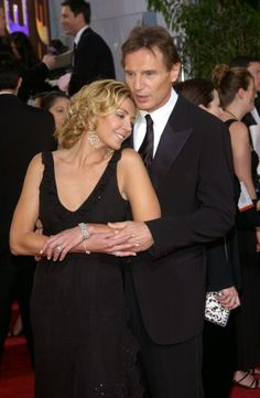I Love This Picture Of Natasha Richardson & Liam Neeson. I Can't Believe It's Been 6 Years Of Her Tragic Death. She was the daughter of Vanessa Redgrave & sister to Joely Richardson. Natasha Richardson, Joely Richardson, Liam Neeson, Hollywood Couples, Hollywood Stars, Famous Couples, Famous Celebrity Couples, Celebrity Kids, Tragic Love Stories