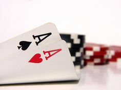Fondo de Ases y fichas de poker esta dentro de la categoria Fondos de ...