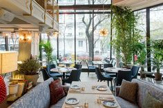 Love is in the food Restaurant Design, Restaurant Bar, Bar Madrid, Best Hotels In Madrid, Madrid Travel, Miguel Angel, Secret Places, Outdoor Furniture Sets, Outdoor Decor