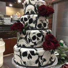 I just like the idea. Zombie Wedding Cakes, Skull Wedding Cakes, Gothic Wedding Cake, Gothic Cake, Halloween Wedding Cakes, Black Wedding Cakes, Rose Wedding, Fall Wedding, Dream Wedding