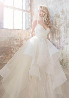 Poofy Wedding Dress, Wedding Sash, Used Wedding Dresses, Wedding Dress Sizes, Bridal Dresses, Wedding Gowns, Event Dresses, Party Dresses, Hayley Paige Wedding Dresses