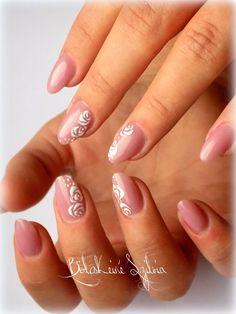 Simple and natural nails