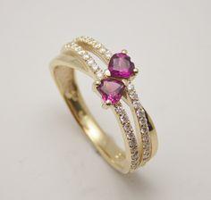 romantický prsteň s diamantmi a rhodolitmi zo žltého 14 kt zlata