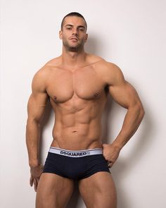 The beauty of men. Gym Guys, Gym Body, Beefy Men, Muscular Men, Male Physique, Christen, Good Looking Men, Male Body, Academia