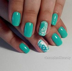 Today we will talk about green nail art designs. It sounds strange? This is the new trend in fashion today. Girls flaunting long fingernails painted with beautiful nail art designs on Mint Green Nails, Green Nail Art, Green Art, Nail Art Design Gallery, Best Nail Art Designs, Trendy Nails, Cute Nails, Spring Nails, Summer Nails