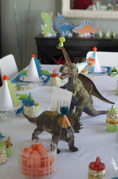 To help you out, we've pulled together some great dinosaur birthday party ideas from around the web and can help you out with everything from table settings, party favours, food and of course the all important birthday cake to ensure your child's birthday party is one to remember.  #dinosaur #partyideas #birthday #decorations #roar