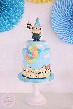 Preciosa tarta para celebración de cumpleaños Minions. #tarta #Minions