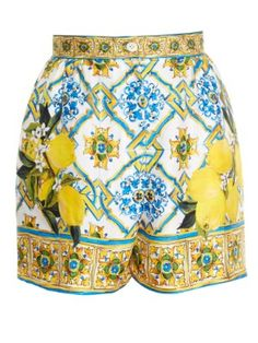 Dolce & Gabbana Majolica and lemon-print shorts Fashion Sites, Women's Fashion, Lemon Print, Dressed To The Nines, Matches Fashion, Printed Shorts, Passion For Fashion, Fashion Accessories, Clothes For Women