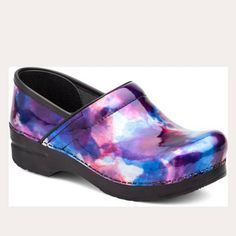 This is the iconic comfort nursing clog from Dansko. The Professional offers support for your feet all day long. This stapled clog offers firm support and the legendary rocker bottom that keeps you. Dansko Nursing Shoes, Nursing Clogs, Nursing Scrubs, Leather Clogs, Leather Slip Ons, Patent Leather, Cute Scrubs, Patent Shoes, Comfy Shoes