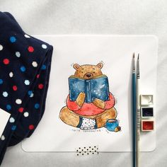 get warm ✨ and beloved polka dot pattern from @happysocks  #HappinessEverywhere #happysocks #illustration #watercolor #socks #inspiration #colorful #artistoninstagram #picame #bear #drawing
