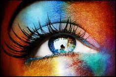 Regard multicolore