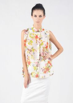 Flower print blouse with fold