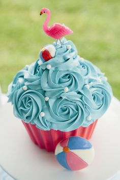Cupcake cake from a