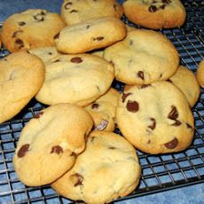 Chewy Jumbo Chocolate Chip Cookies