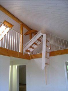 Die GOMA Galerietreppe zum hochklappen eignet sich überall dort, wo der Einbau einer fest montierten Treppe nicht möglich ist