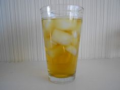Peppermint Iced Tea - Reduces Bloating!!! Flat Belly Drinks, Reduce Bloating, Iced Tea, Peppermint, Counter, Finding Yourself, Health Fitness, Diet, Recipes