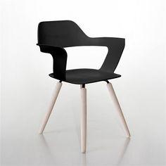 De Radius Muse stoel is zo'n typische stoel waar je bijna niet meer van af komt. Hij zit namelijk heerlijk! Geniet van optimaal zitcomfort met dit elegante ontwerp. Ideaal voor aan de eettafel, zeker voor degenen die graag borrelen of lang natafelen.