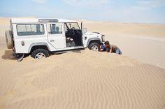 Land Rover Defender 110 sw. Teamwork Fun in the desert