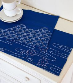Pond & Scales Sashiko Placemats from Doodle Stitching: Embroidery & Beyond + Giveaway! « Sew,Mama,Sew! Blog