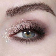 50 Beautiful Wedding Eye Make Up Ideas - Beauty of Wedding A wedding is., 50 Beautiful Wedding Eye Make Up Ideas - Beauty of Wedding A wedding is regarded among the significant events in someone's life, therefore it. Sexy Eye Makeup, New Year's Makeup, Cute Makeup, Natural Makeup, Makeup Tips, Beauty Makeup, Makeup Looks, Makeup Ideas, Beauty Tips