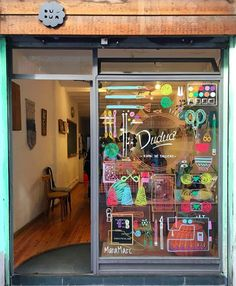Simple healthy dinner recipes for kids ideas christmas decorations Shop House Plans, Shop Organization, Store Windows, Window Art, Posca, Shop Window Displays, Toy Store, Shop Signs, Store Design