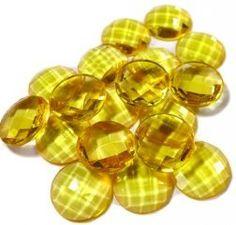 Chaton amarelo translucido