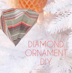 diamond ornaments in marbleized paper // #DIY