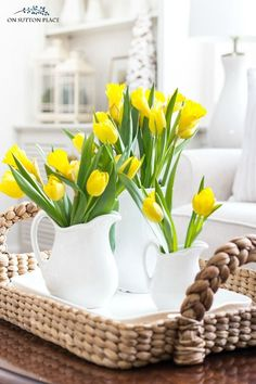 10 ideas for adding spring early to your home. Easy and budget-friendly tips tha… 10 ideas for adding spring early to your home. Easy and budget-friendly tips that use greenery, light colors, fresh artwork and more. Spring Home Decor, Easy Home Decor, Cheap Home Decor, Home Decoration, Diy Simple, Easy Diy, European Home Decor, Deco Floral, Décor Boho