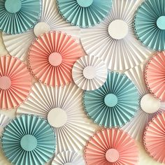 Rosaces en papier / roulades / papier fans / par SydneyPaperFlowers