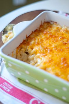 Classic Macaroni and Cheese from @NevrEnoughThyme http://www.lanascooking.com/2011/11/08/classic-macaroni-and-cheese/ #cheese #macaroni